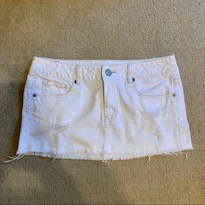 American Eagle white denim mini skirt size 6